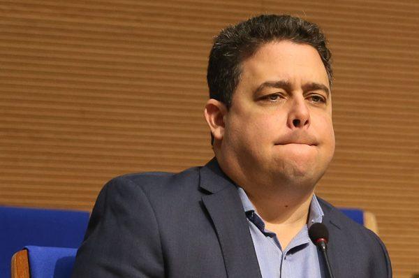 Felipe Santa Cruz firmou contratos milionários com governo petista