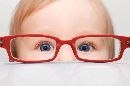 Casos de miopia aumentam no mundo, especialmente nas crianças